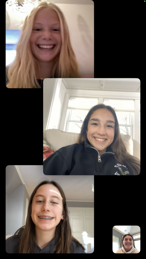 A Freshman lunch Facetime call! Photo Courtesy of Grace Keeley